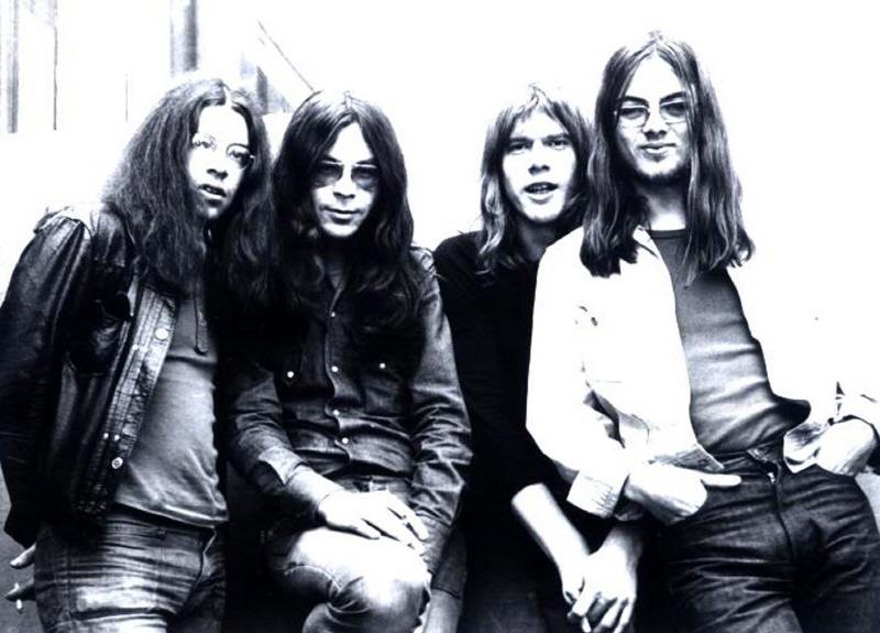 1971-group-.jpg